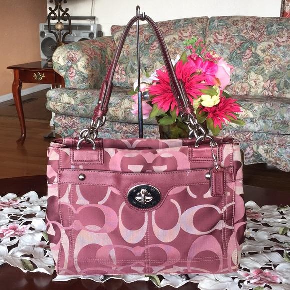Coach Handbags - Coach Penelope Optic Signature Carryall